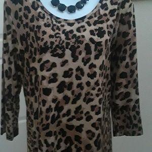Tops - Beautiful animal print blouse